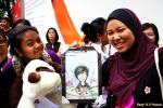 Gifts for Hyun Joong (the soft toy and fan art, not the girls) LOL